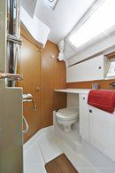 Jeanneau Sun Odyssey 44 DS interior and accommodations Picture extracted from the commercial documentation © Jeanneau