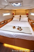 Jeanneau Sun Odyssey 410 interior and accommodations Picture extracted from the commercial documentation © Jeanneau