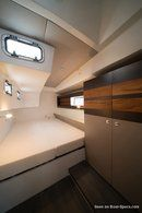 Fora Marine RM 1360 accommodations