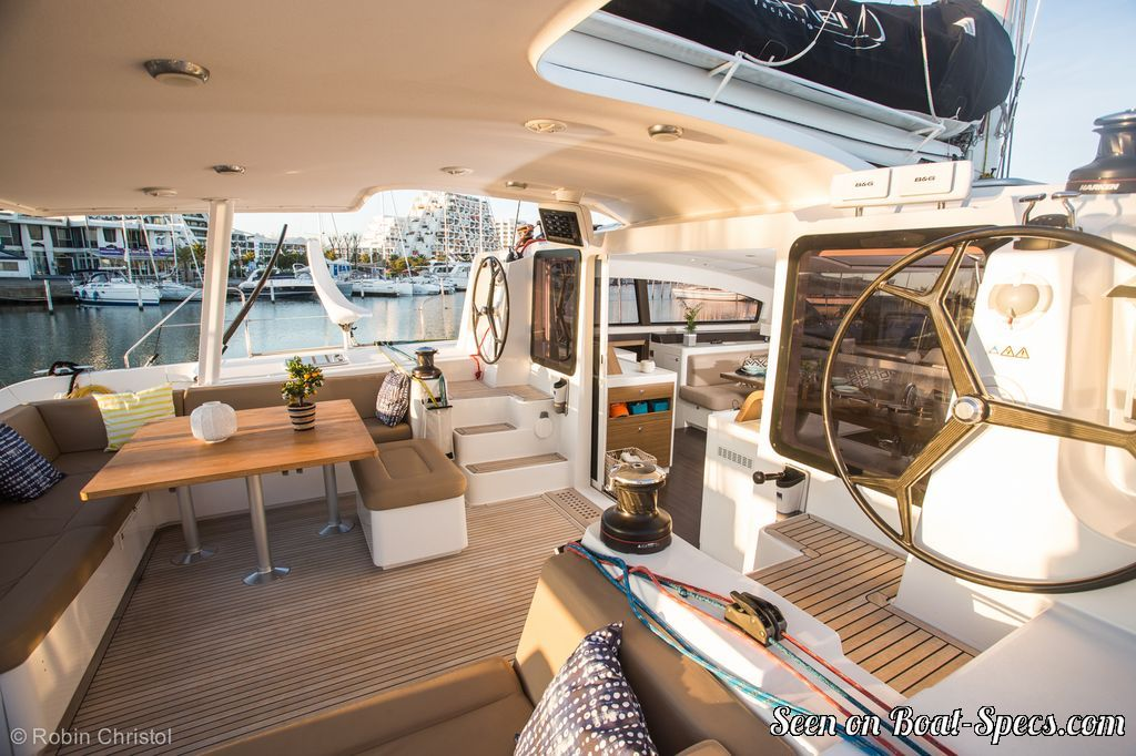 Outremer 5X (Outremer Yachting) sailboat specifications and details on  Boat-Specs com
