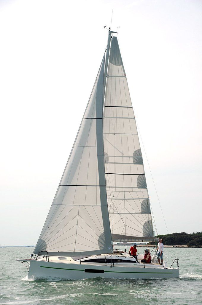RM 970 twin keel (Fora Marine) sailboat specifications and ...