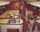 Catalina Yachts Catalina 36 MkI accommodations