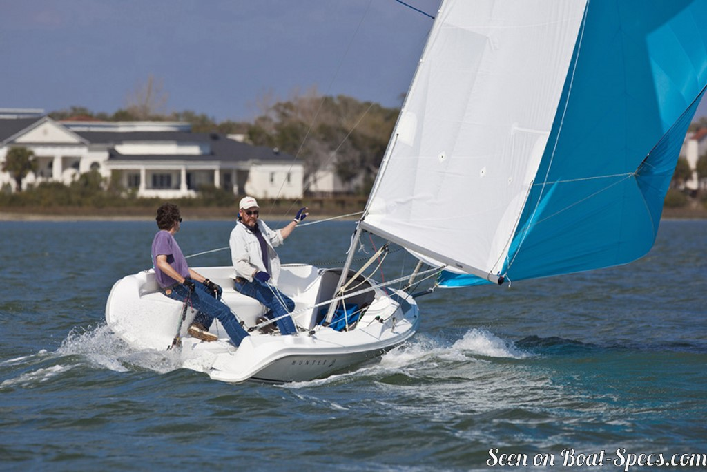 Marlow Hunter 18 sailboat specifications and details on Boat