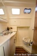 Marlow Hunter 33 accommodations