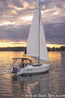 Marlow Hunter 33 sailing