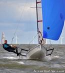 Ovington Boats Musto Skiff en navigation