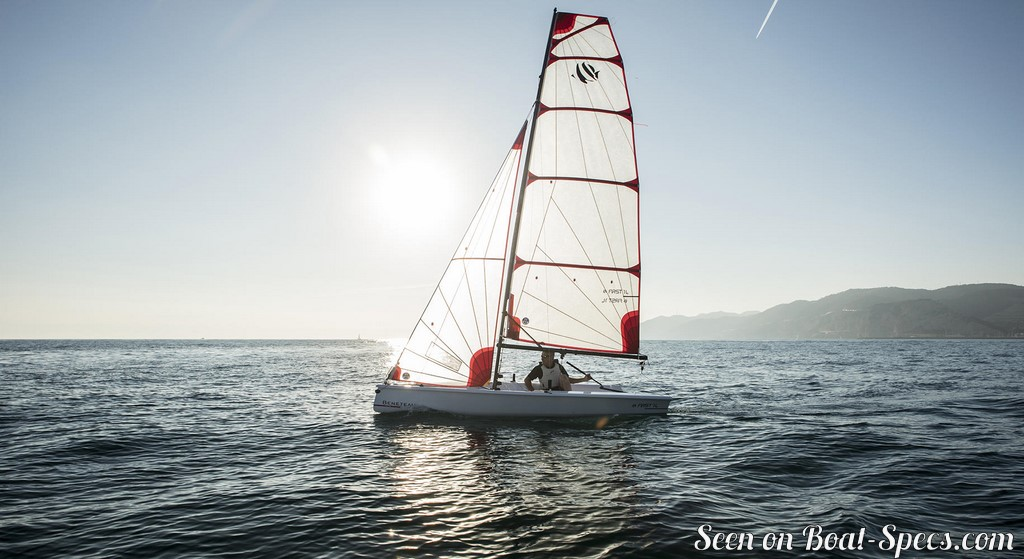 First 14 (Bénéteau) sailboat specifications and details on Boat-Specs com