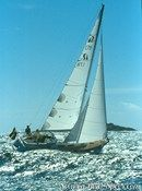 Hallberg-Rassy 31 MkI sailing
