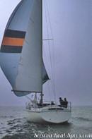 Jeanneau Gin Fizz sailing