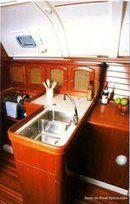 Bénéteau Océanis 381 accommodations